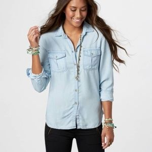 EUC AE Chambray Top